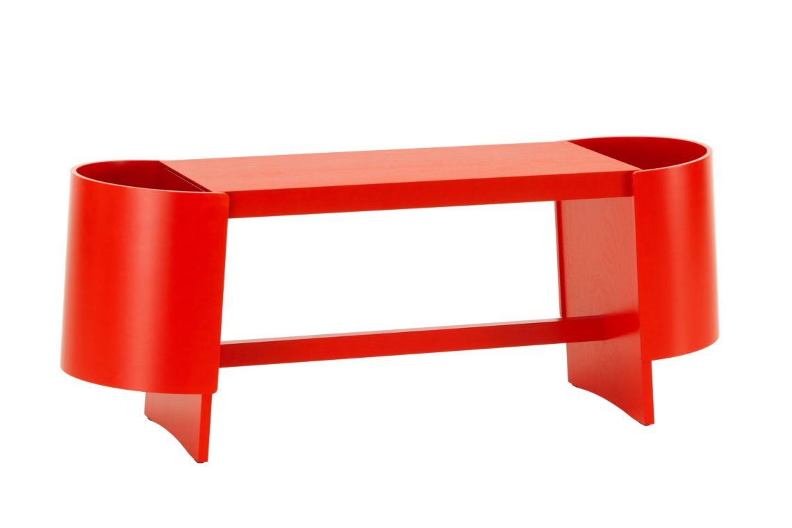 Kiulu-Bench-A-red-lacquered_F-2665059